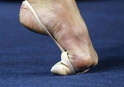 stupni-nog-gimnastok-i-balerin-foto