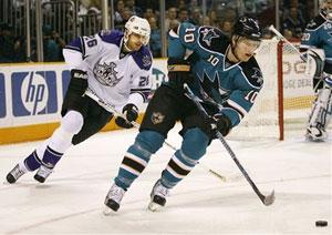 Травмы в хоккее с шайбой на льду